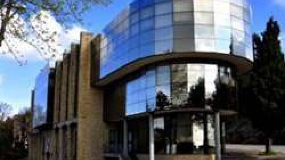 Banca CentraleBanca Centrale: il Psd dice no a un Consiglio d'urgenza; il Ps chiede chiarimenti sulla centrale rischi; per Rete devono decidere i sammarinesi