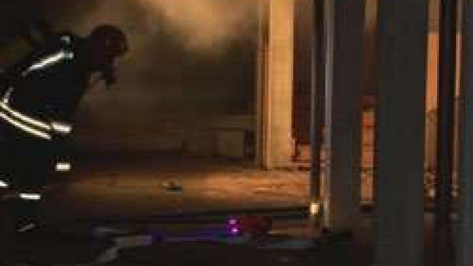 Chiesanuova: incendio in un garageIncendio a Chiesanuova