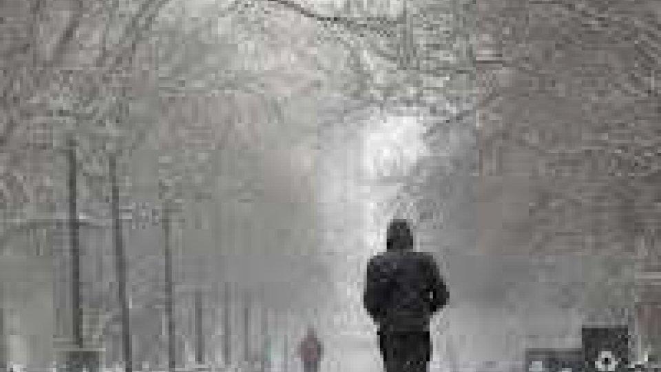New YorK: migliaia senza luce, voli annullati