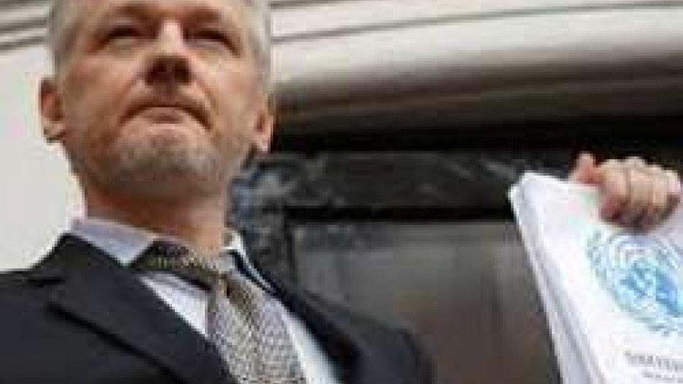 Wikileaks: la Cia ci ascolta da smartphone e tv