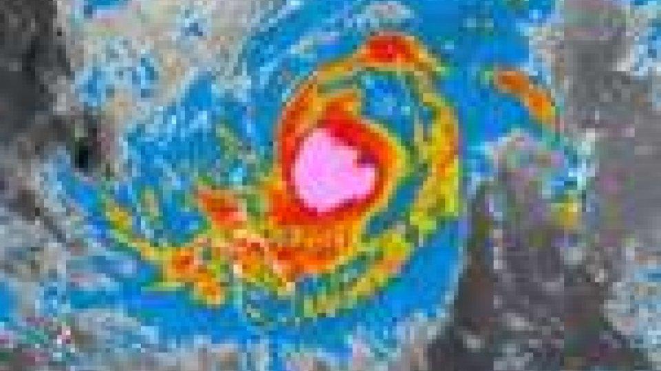 Sull'India si abbatta il ciclone Thane: 11 morti