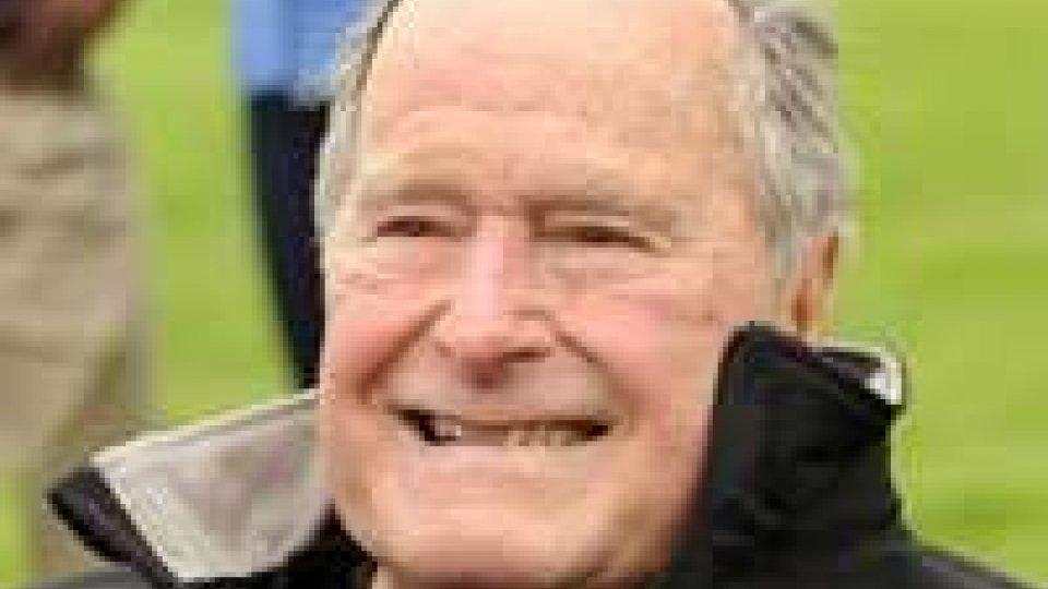 Usa, ricoverato George Bush senior per problemi respiratori