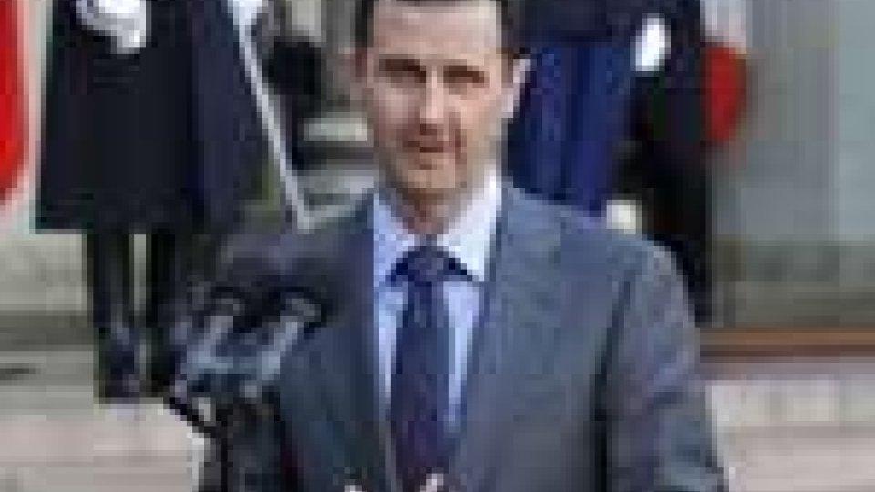 Obama chiede le dimissioni di Assad