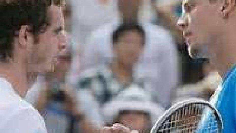 Andy Murray torna a Londra dopo aver ottenuto l'oro olimpico in estate.