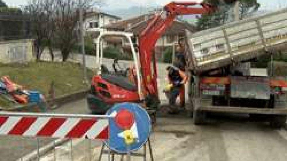 """lavori ad AcquavivaAcquaviva: tubi """"fallati""""? No, normale deterioramento delle condutture"""