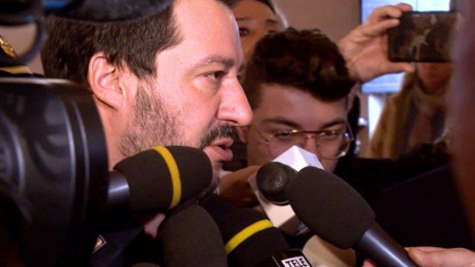 """SalviniFesta a bordo della Sea, sbarco a Malta. Saranno accolti dall'UE, Italia compresa. E Salvini: """"Non autorizzo arrivi di migranti"""""""