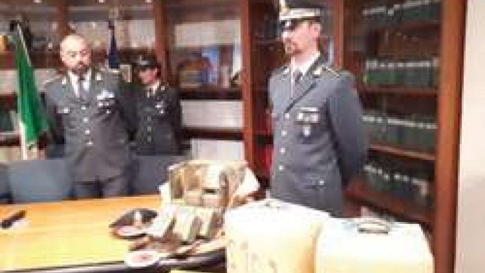 Sequestro drogaMaxi sequestro nel cimitero di Poggioreale