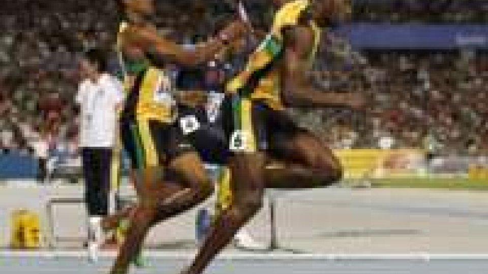 L'ottava meraviglia di Bolt: oro anche nella staffetta, eguagliato Carl Lewis.