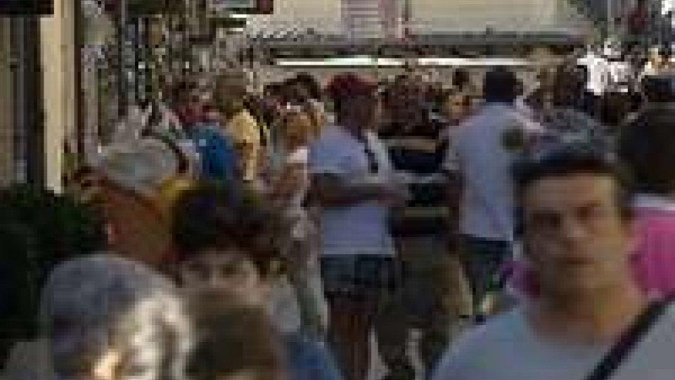 Ferragosto: turisti sul Titano per trascorrere la giornata di festa, molti gli stranieriFerragosto: turisti sul Titano per trascorrere la giornata di festa, molti gli stranieri