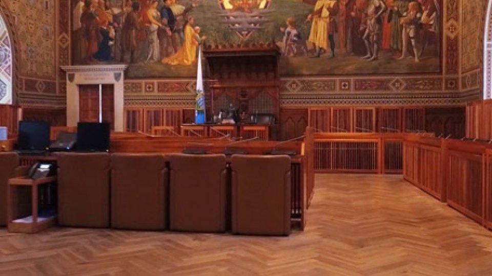 """L'Aula del ConsiglioGiustizia: maggioranza cambia la legge per """"garantire operatività alla Commissione"""". Opposizione sul piede di guerra"""