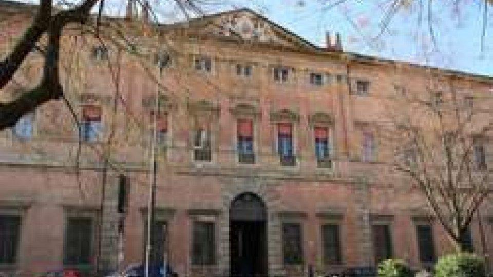 Tribunale di BolognaBologna: attenuata la misura cautelare, scarcerati i vigili arrestati dalla Finanza a Rimini