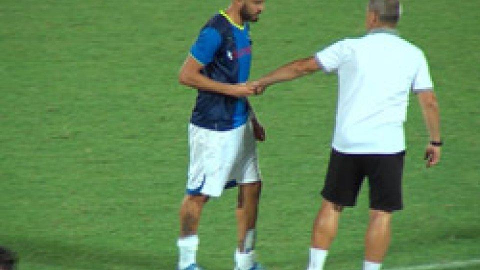 """La scena in campoTre Fiori, il """"pizzino"""" dell'allenatore del Rudar a Vassallo..."""