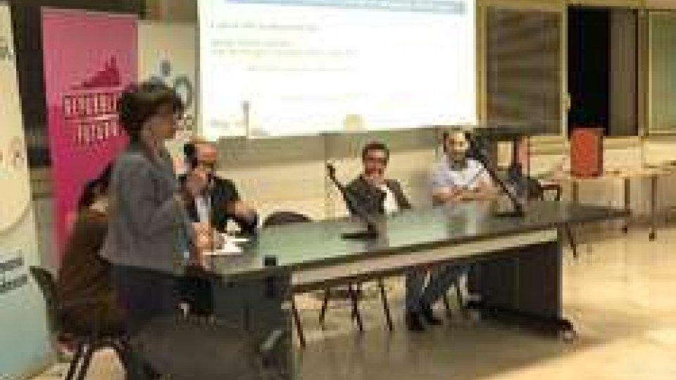 I relatori della serataAntenne e salute: faccia a faccia animato tra tecnici e cittadini di Acquaviva