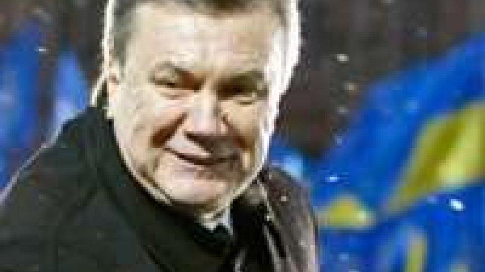 Ucraina, Ianukovich scaricato anche dal suo partito. La Merkel esorta la Timoshenko
