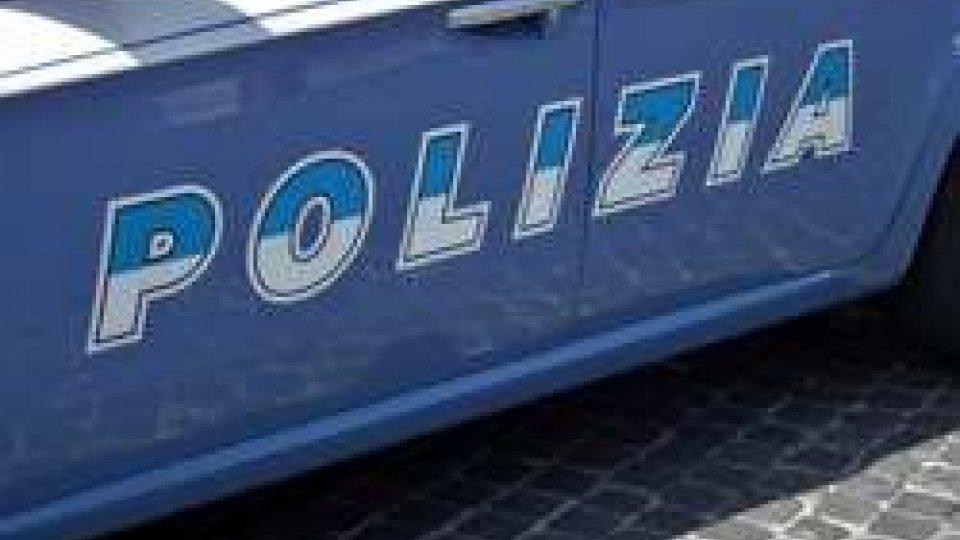 Rapinò una famiglia in casa a Rimini: incastrato dall'impronta lasciata sul coltello da cucina