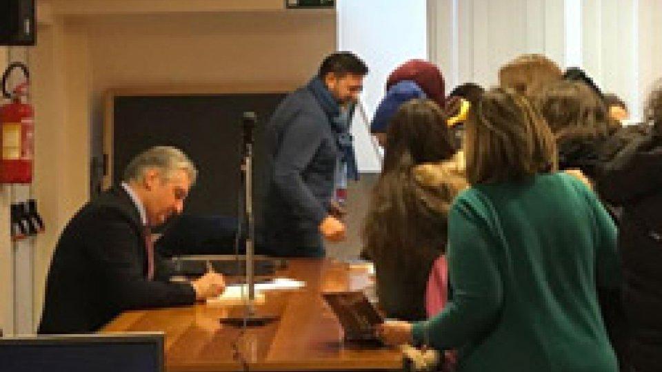 """""""Ti parlo di noi"""" il romanzo autobiografico di Sergio Barducci letto e discusso con l'autore dai giovani del Valgimigli"""