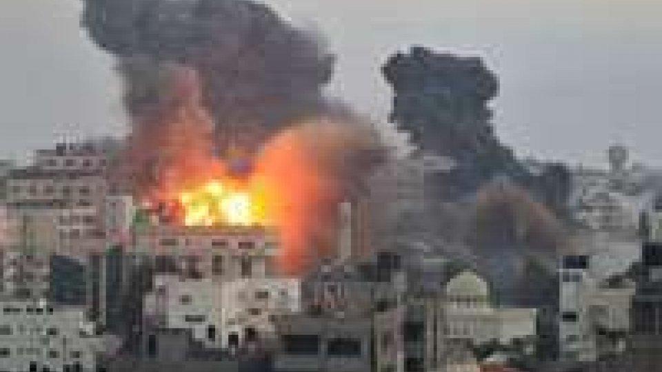 Gaza, continua lo scontro: ad oggi 121 morti e 900 feriti