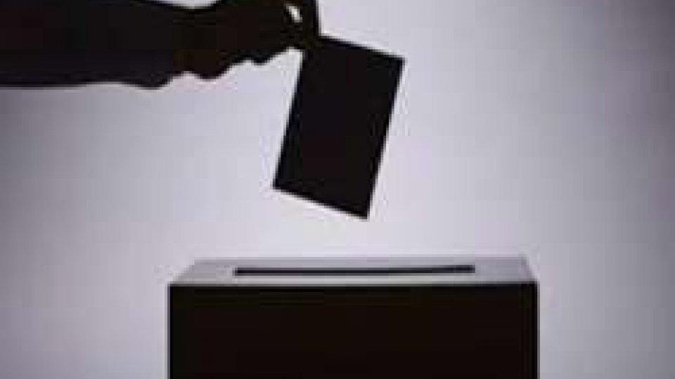 Ballottaggio e referendum costituzionale: oggi silenzio elettorale, domani si vota