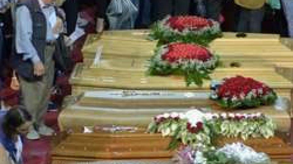 Scontro treni in Puglia, è il giorno dei funerali