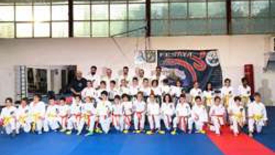 Esami fine corso Isshinryu Karate Club