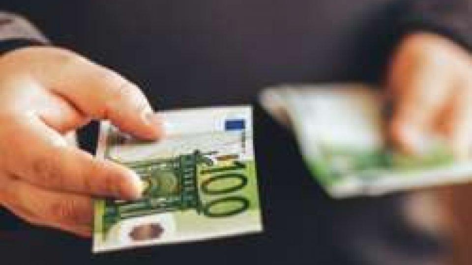 """L'uomo avrebbe dato oltre 500.000 euro agli """"attori"""""""