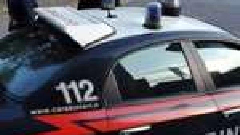 Marito chiede aiuto ai carabinieri per percosse moglie