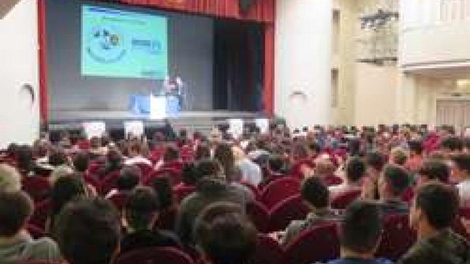 """""""Legalità e sicurezza sul lavoro""""; al Novelli evento di chiusura per il progetto che ha coinvolto più di 500 studenti"""