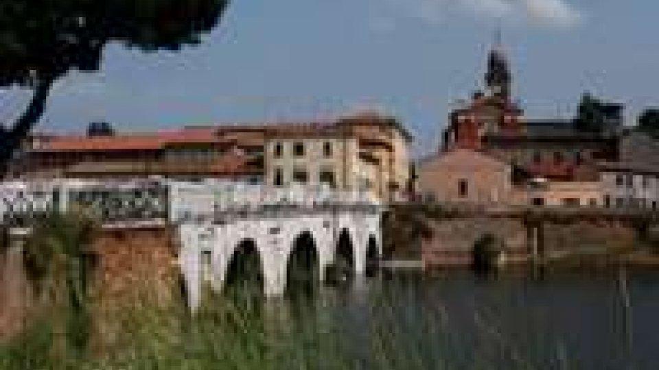 Rimini, parte l'operazione recupero dei relitti nel bacino di Ponte di Tiberio