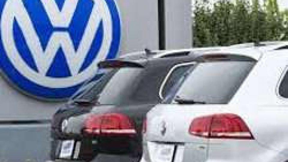 Volkswagen taglia 3,7 miliardi per tre anni e 30.000 posti di lavoro