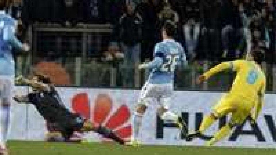 Serie A: nei posticipi vittorie per Napoli e Fiorentina