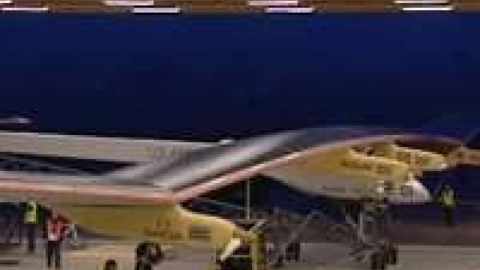 Solar Impulse, primo volo per l'aereo ad energia solare