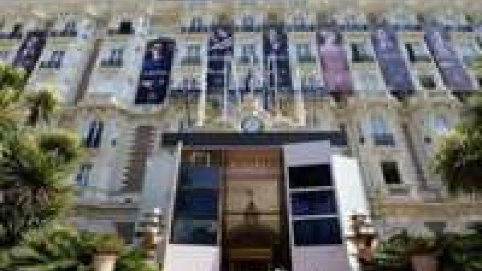 Furto gioielli a Cannes, ricompensa di 1 mln euro