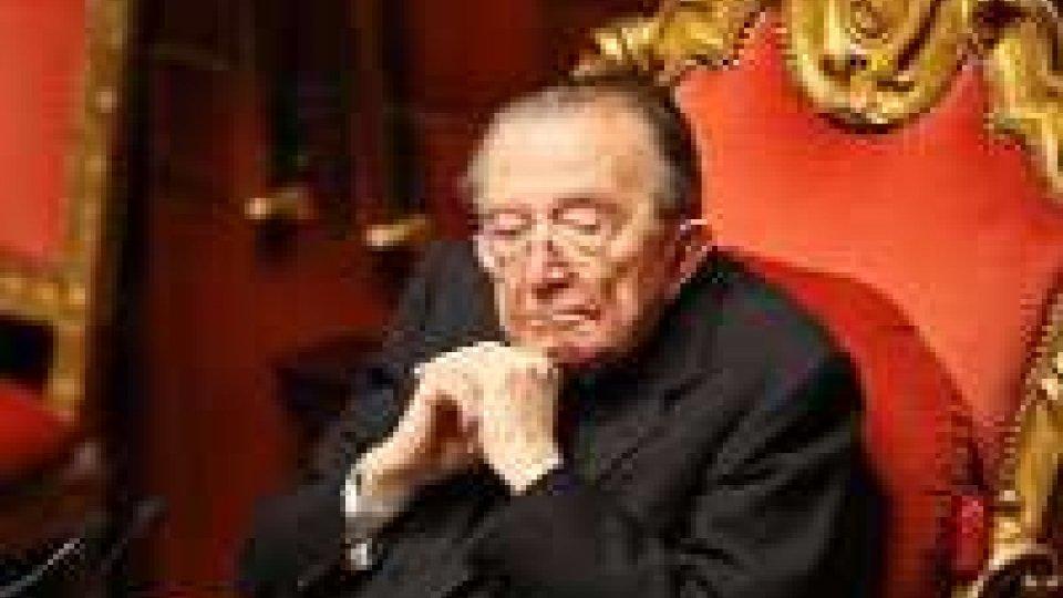 Ricoverato in condizioni critiche Giulio Andreotti