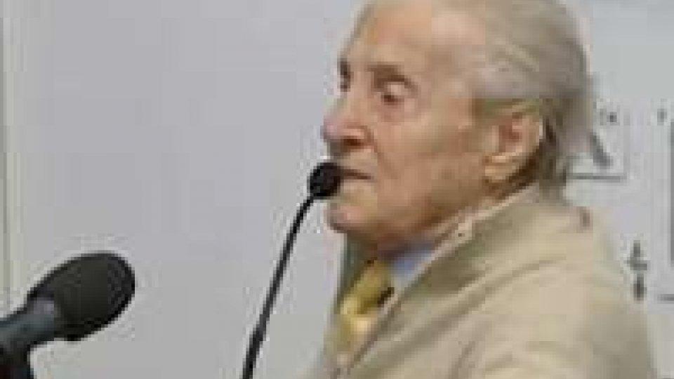 Vittoriano Zaccherini, ex deportato nel campo di Mauthausen, porta la sua testimonianza ai ragazzi delle terze medie