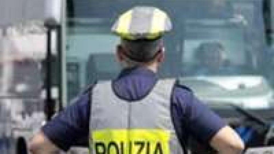 Rimini: Un altro pullman fermato senza assicurazione