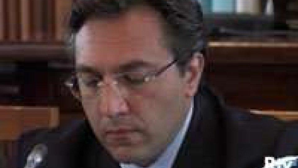 Francesco MussoniConfronto sospeso sulla sanità. E torna l'allarme sulla gestione delle pensioni.
