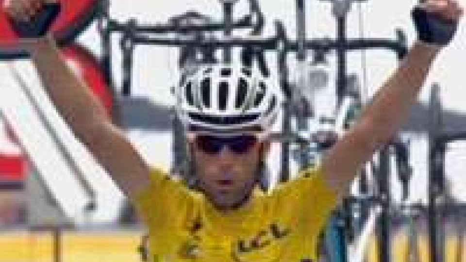 Tour de France: Nibali sempre più vicino al successo, nella 19' tappa vince  NavardauskasTour de France: Nibali sempre più vicino al successo, nella 19' tappa vince Navardauskas