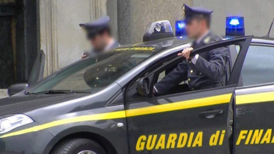 Gdf Rimini, lotta all'usura: famiglia praticava prestiti con tassi fino al 120%, sequestri per 650mila euro