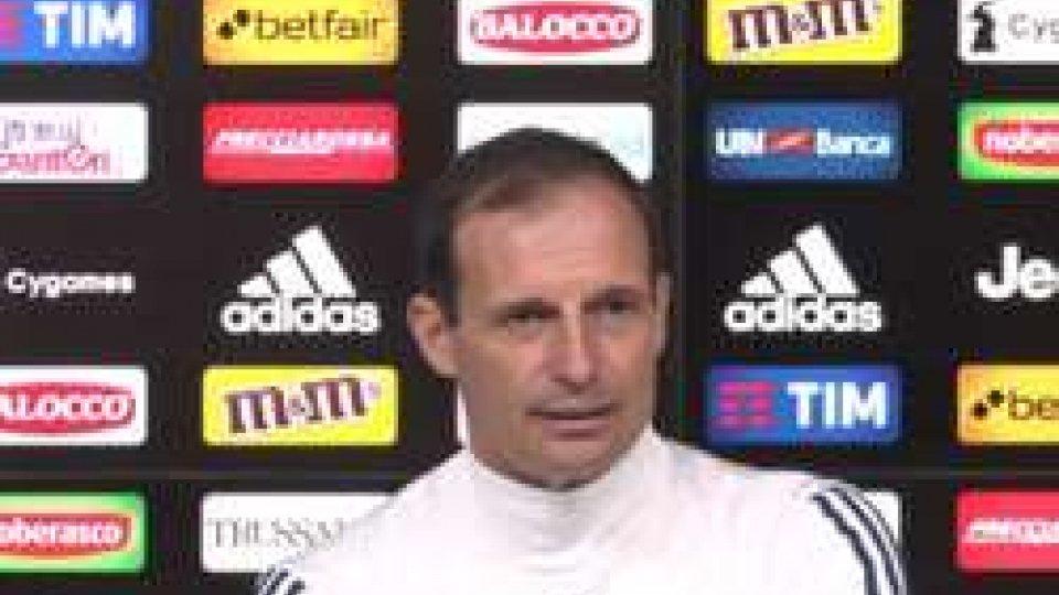 Massimiliano AllegriNapoli - Juventus: Allegri spera nel recupero di Higuain
