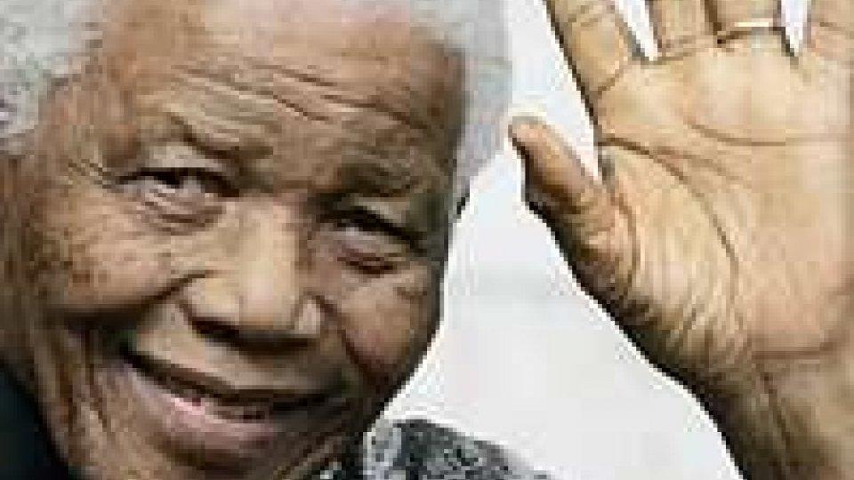Mandela: critiche le sue condizioni di salute