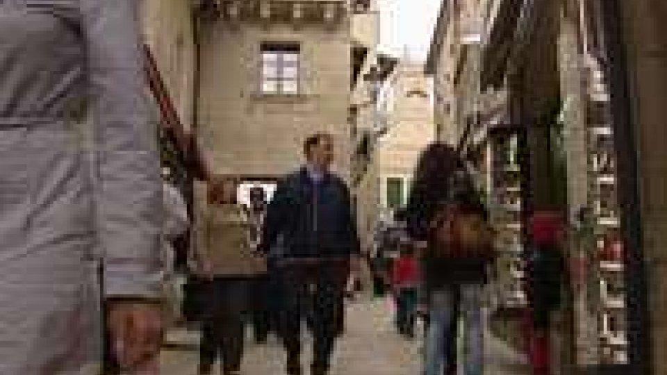 """Operatori Turistici: """"solo 4 persone su 60 accetta lavoro""""Operatori Turistici: """"solo 4 persone su 60 accetta lavoro"""""""