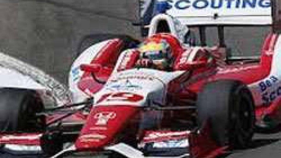 Indycar: Wilson in coma dopo essere stato colpito da un detrito in pistaIndycar: Wilson in coma dopo essere stato colpito da un detrito in pista