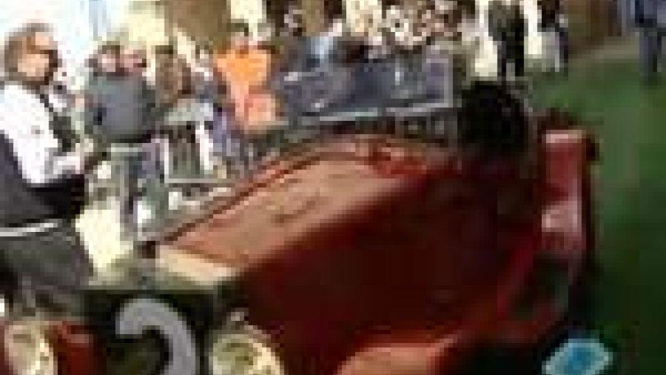 San Marino - La Mille Miglia ha fatto tappa sul TitanoLa Mille Miglia ha fatto tappa sul Titano