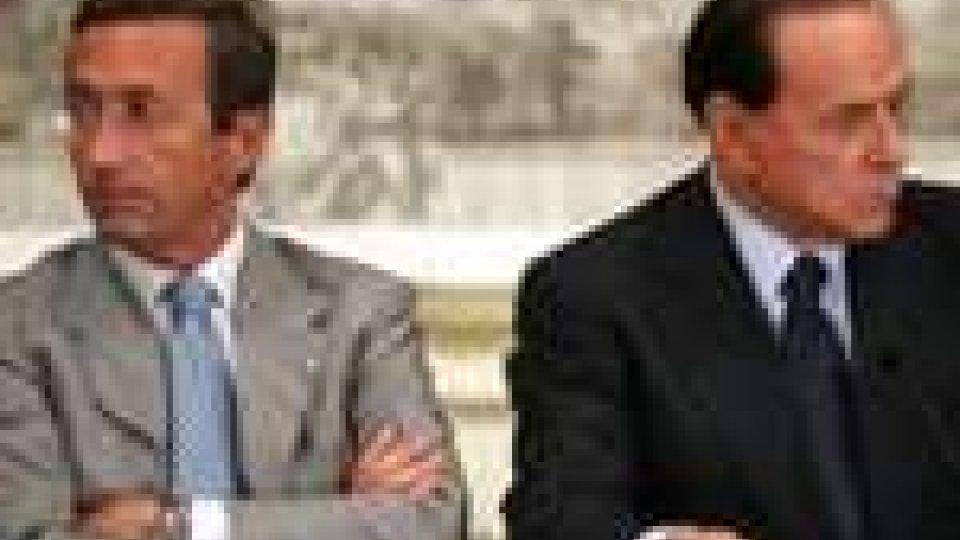Aut aut di Berlusconi a Fini: fiducia su 4 punti o voto