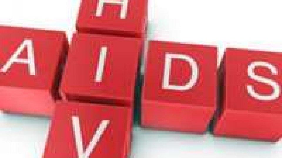 Cina: studio mostra mutazioni virus HIV