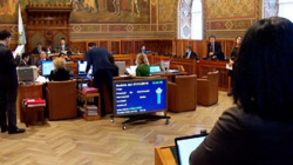 lavori consigliariConsiglio: scontro aperto su magistrato dirigente e fusione Bsm-Carisp