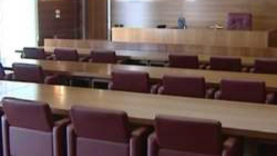 Aula tribunaleTribunale: condannata a 2 anni e 9 mesi Laura Beccari