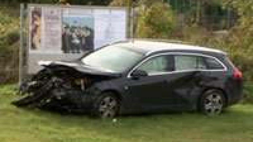 Incidente a Valdragone: 3 auto coinvolte, ragazza in ospedale