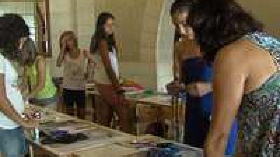 Moda e fashion. Per Tempo d'estate un corso dedicato a piccole stilisteModa e fashion. Per Tempo d'Estate un corso dedicato a piccole stiliste