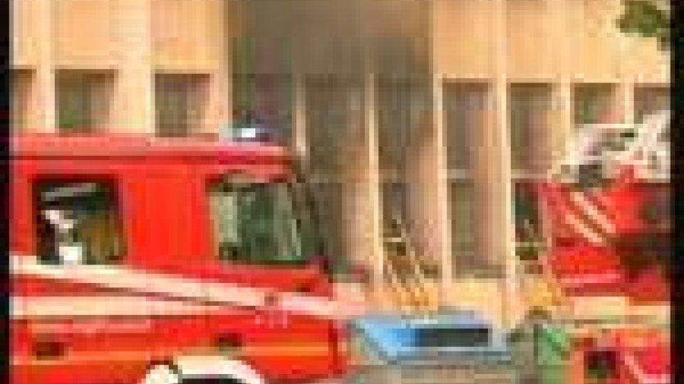 Incendio doloso in Via Roma a Rimini